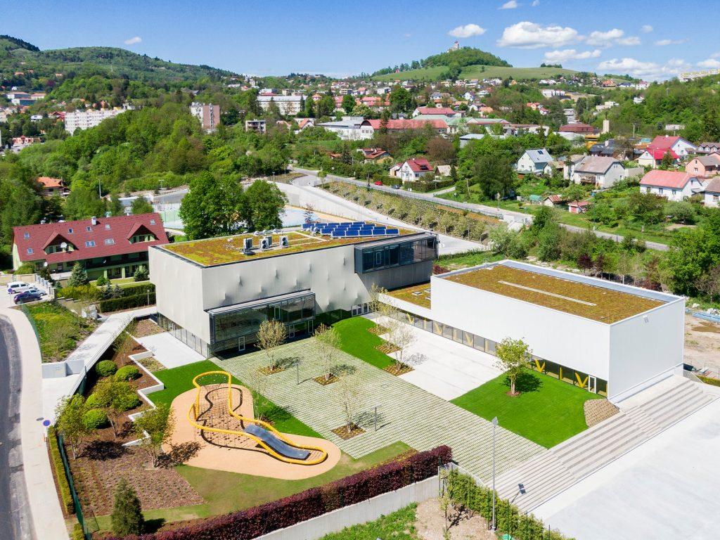 Súkromná základná škola Guliver so zelenou strechou